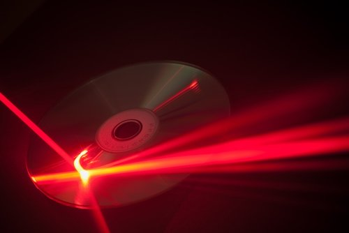 triangulation-uses-a-laser-beam-to-measure-an-object_1445_628321_0_14101380_500-1.jpg